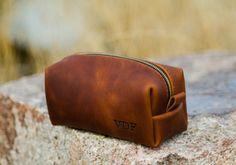 cbe91f790cd 17 beste afbeeldingen van Toilettas zoektocht - Cosmetic bag ...