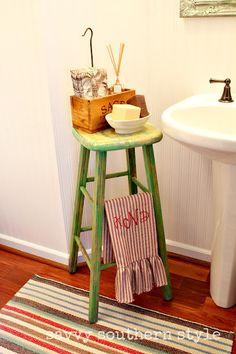 Pedestal Sink With Counter Space : Pedestal Sink Bathroom on Pinterest Pedestal Sink, Pedestal Sink ...