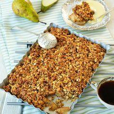 Päronpaj. En lättbakad och urläcker paj med smak av kardemumma.