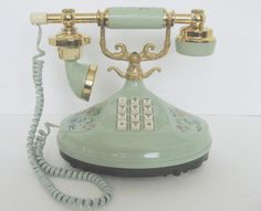 I swear this is why I love pinterest, I had an idea of a vintage phone for room decor & this is EXACTLY what I wanted! Color & all