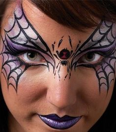 Looking for Halloween face paint ideas? We'll help you paint a fun bat mask on to your child's face for Halloween. This easy bat face paint idea is great for face painting beginners. Fairy Eye Makeup, Halloween Eye Makeup, Halloween Eyes, Halloween Spider, Easy Halloween, Facepaint Halloween, Halloween Party, Face Makeup, Halloween Costumes