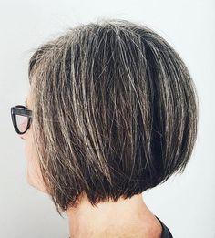 Thin Blonde Highlights For Graying Dark Hair Trending Hairstyles, Short Bob Hairstyles, Bob Haircuts, Black Hairstyles, Gorgeous Hairstyles, Mandy Moore Short Hair, Locks, Straight Bob Haircut, Straight Hair