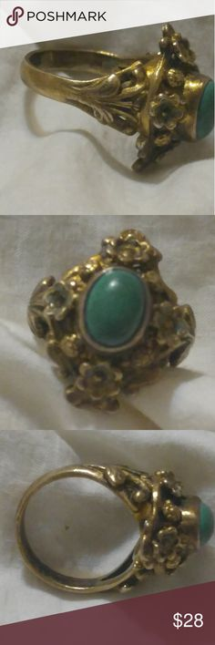Sterling SZ 6 Flower Green Turquoise Ring Really pretty sterling silver with gold wash flower and leaf ring with I think a green turquoise stone in middle. Size 6....this is an almost vintage piece. Hallmarked inside 925 sterling Jewelry Rings