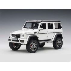 Mercedes Benz 2 Gloss White Model Car by Autoart Mercedes Benz G500, Mercedes Jeep, Kids Ride On Toys, Toy Cars For Kids, My Dream Car, Dream Cars, Jeep Wrangler Accessories, Lifted Cars, Car Colors