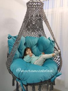 10 Fabulous Outdoor Furniture You Can Ideas Macrame Hanging Chair, Macrame Chairs, Hanging Hammock Chair, Swinging Chair, Hanging Beds, Macrame Design, Macrame Projects, Macrame Patterns, Lounge Areas