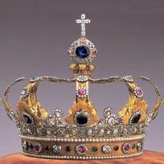 Crown of the king of Bavaria - Elector Maximilian's alliance with Emperor Napoleon earned him the royal title and vast territorial increases at the Treaty of Pressburg (1805). This made him one of the chief members of the Confederation of the Rhine. On 1 January 1806 Maximilian Joseph IV of Bavaria (Bayern) was proclaimed King Maximilian Joseph I of Bavaria.