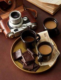 A journey + a coffe + some chocolate = perfect moments I Love Coffee, Coffee Art, Coffee Break, My Coffee, Morning Coffee, Coffee Shop, Coffee Cups, Coffee Lovers, Coffee Life