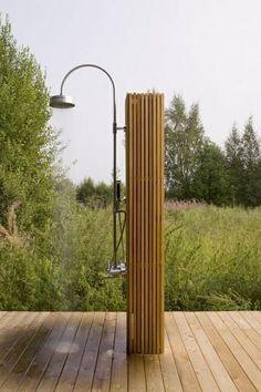 #buitendouche #tuindouche #shower #wood #rainshower www.leemconcepts.nl