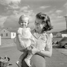 Shorpy Historic Picture Archive :: The Happy Hendersons: 1941 high-resolution photo
