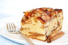 Receita de Bolo de Maçã com Canela. Com receita simples como essa do Bolo de maçã com canela, é possível transformar qualquer lanche em uma ocasião especial.