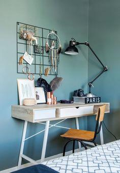 Kontor / Office Arbeidspult fra Jysk - pen og funksjonell. Skrivebordslampe fra Bloomingville.
