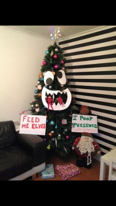 Easy and Creative Christmas Ideas for Kids - Funny Elf on the Shelf Ideas - Elf On The Shelf Ideas Funny - Elf Christmas Decorations, Christmas Crafts, Snowman Crafts, Christmas Ideas, Christmas Recipes, L Elf, Awesome Elf On The Shelf Ideas, Elf Magic, Elf On The Self