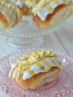 The Crazy Kitchen: Honey & Orange Filled Iced Buns