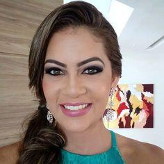 """46 curtidas, 7 comentários - Suzy Simas Maquiagem e Cabelo (@suzysimasmakeup) no Instagram: """"#madrinhalinda #casamento #irmadonoivo #casamentotop #pausaparafeminices #maquiagempenteado #makeupo"""""""