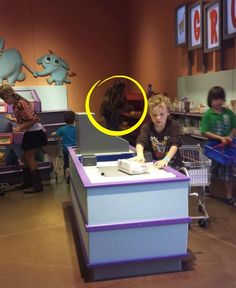 Creepy Photo Anomaly  Took Niece to Fort Worth Museum, got home, she asks what was this thing in the background..... Paranormal Pictures, Paranormal Stories, Ghost Images, Ghost Pictures, Fort Worth Museum, Ghost Caught On Camera, Spirit Ghost, Ghost Sightings, Ghost Hauntings