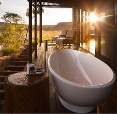 The Victoria + Albert Napoli bath in situ at the El Questro Homestead in Australia exemplifies the luxury of outdoor bathing. Bring this resort style into your home today with Victoria and Albert at Shire Bathware. Sunken Bathtub, Outdoor Bathtub, Walk In Bathtub, Outdoor Bathrooms, Outdoor Rooms, Porches, Victoria And Albert Baths, Most Luxurious Hotels, Bathroom Design Inspiration