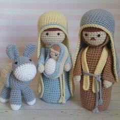 Amigurumi para o Natal: 31 Enfeites Lindos para se Inspirar Amigurumi para o Natal: 31 Enfeites Lindos para se Inspirar Crochet Simple, Cute Crochet, Crochet Crafts, Crochet Dolls, Yarn Crafts, Crochet Projects, Crochet Christmas Decorations, Crochet Decoration, Christmas Crochet Patterns
