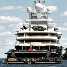 Yacht Life Gentleman's Essentials Super Yachts, Big Yachts, Yacht Design, Yachting Club, Bateau Yacht, Private Yacht, Cool Boats, Yacht Boat, Speed Boats