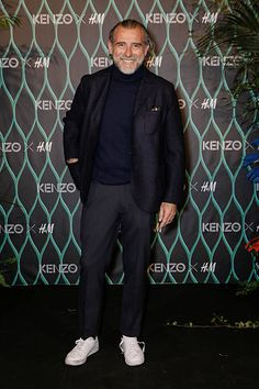 Alessandro Squarzi Immagini e foto - Getty Images Older Mens Fashion, Men Fashion, Cool Street Fashion, Street Style, Nick Wooster, Style Me, Man Style, Timeless Elegance, Smart Casual