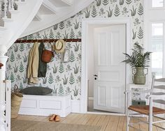The wallpaper Herba - 4021 from Boråstapeter is wallpaper with the dimensions m x m. The wallpaper Herba - 4021 belongs to the popular wallpaper colle Home Staging, Scandinavian Wallpaper, Home Interior, Interior Decorating, Entryway Furniture, Wall Wallpaper, My Dream Home, Interior Inspiration, Sweet Home