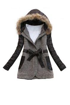 Manteau laine et capuche fourrure