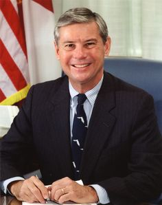 Bob Graham was the 38th Governor of Florida from 1979 to 1987, and a United States Senator from that state from 1987 to 2005. To see a complete list of Florida Governors, go to http://en.wikipedia.org/wiki/List_of_Governors_of_Florida