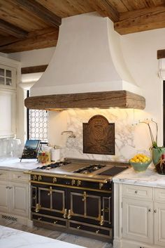 trendy farmhouse kitchen backsplash french country vent hood Jonathan Alonso Board: Appliances, Stoves, and Ovens Kitchen Hoods, Kitchen Stove, Kitchen Backsplash, Kitchen Countertops, Kitchen Cabinets, French Country Kitchens, French Country Decorating, French Kitchen, Oven Hood