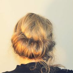 Ma coiffure chic et rapide du moment Moment, Dreadlocks, Long Hair Styles, Beauty, Chic Hairstyles, Top Knot, Hair, Long Hairstyle, Long Haircuts