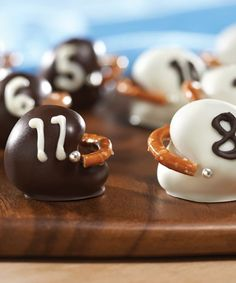 OREO Football Helmet Cookie Balls recipe - Got people coming over to watch the big football game? Treat them to these delicious and cute Oreo cookie balls and everybody wins! Football Desserts, Football Treats, Football Tailgate, Tailgate Food, Football Food, Tailgating, Football Parties, Football Season, Football Helmets