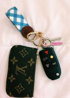 car keys Cars Keys Vsco 62 Ideas For 2019 Mochila Kanken, Mini Pizzas, Cute Car Accessories, Girly Car, Car Essentials, Car Keys, Cute Cars, Sidecar, Future Car