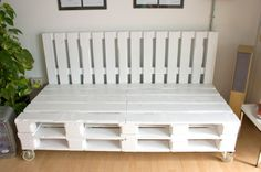 Nuestro nuevo sofá artesanal a medida hecho con pallets realizado por Studio Now