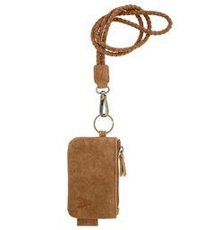 Zusss gevlochten keykoord, inclusief klein tasje in de kleur cognac. Maat 12 x 7 cm