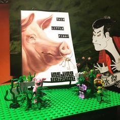 """...It's PK Dick meets Harry Harrison..."" The Second Edition of This Little Piggy is now on Kindle Unlimited! Brasil! Se você quiser ebooks livres ... diga-me!  #scifi #author #autor #amwriting #libros #livros #writing #writer #bookstagram #bücher #kunst #lesen #leer #timetravel #noir #detective #yakuza #sumo #aliens #lego #pigs #hogs #sanfrancisco #sfbay #oakland #riodejaneiro #kindle #kindleunlimited #freeebooks #freebooks"