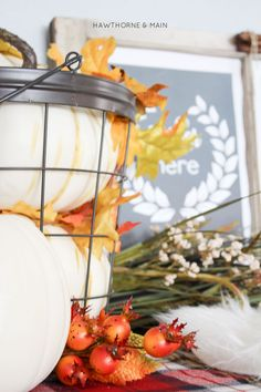 Super cool vignette! These colors are perfect for my fall decor this year! Pinning for sure!