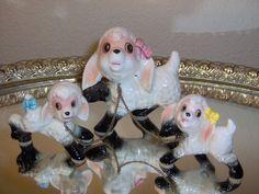 Vtg anthropomorphic MAMA EWE SHEEP & 2 Lambs w/CHAINS Figurines BOWS (Very Rare