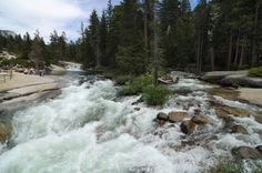 Hiking Yosemite - Merced River - Nevada Fall - - Read more on: www.daysontheroad.be