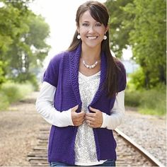 So, you want to keep knitting for spring but can& find any pattern light enough? Try this Violet Anemone Spring Cardigan, with short sleeves so you can enjoy the warm spring breeze and still do what you love. Knitting Patterns Free, Knit Patterns, Free Knitting, Sweater Patterns, Free Pattern, Knitting Ideas, Crocheting Patterns, Pattern Ideas, Knitting Projects