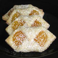 Indulge in These 8 Popular Polish Easter Desserts: Polish Kolaczki Recipe Desserts Ostern, Köstliche Desserts, Delicious Desserts, Dessert Recipes, Easter Desserts, Cake Recipes, Easter Recipes, Polish Christmas, Noel Christmas