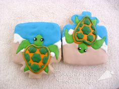 "Sea Turtles made using ""present"" cutter     http://lilaloa.blogspot.com/2012/03/cookie-contest-with-big-fun-prizes.html"