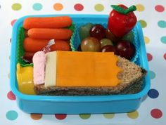 Cute blog with cold lunch ideas for the kids. As if I'll ever have time to do these, but the lunches are so creative!