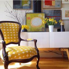 Chair upholstered in Skinny laMinx Pebble print, by Giorgia Siriaco #Lookatmyskinnylaminx