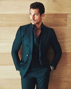 HQ Editorial - David Gandy for Esquire Latinoamerica November 2015 Photo by John Russo Outfit por Dolce & Gabbana Location: Miami Thanks Mat! Gentleman Mode, Gentleman Style, Mens Fashion Suits, Mens Suits, David Gandy Style, David Gandy Suit, Style Masculin, Designer Suits For Men, Herren Outfit