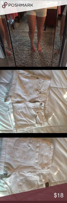 American eagle white shorts New condition white shorts. Size 4. Can be unrolled at the bottom to make them longer. Any questions please ask!💖 American Eagle Outfitters Shorts Jean Shorts