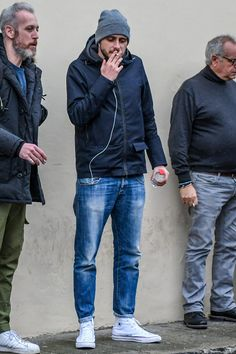 Clothes style for over 50 jeans Super Ideas Converse Style, Outfits With Converse, Mode Masculine, All Star Outfit, Denim Fashion, Fashion Outfits, Denim Jeans Men, Denim Man, Men Style Tips