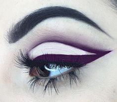 cut crease and colored eyeliner // gorgeous graphic liner: lmao reminds me of that purple pony from mlp Glam Makeup, Love Makeup, Makeup Inspo, Makeup Inspiration, Beauty Makeup, Makeup Goals, Makeup Tips, Makeup Ideas, Graphic Eyeliner