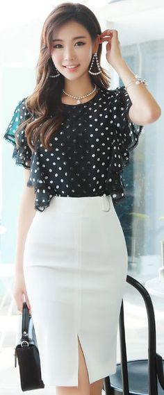 StyleOnme_Pearl Accent D-Shaped Buckle Front Slit Pencil Skirt Office Fashion, Work Fashion, Asian Fashion, Fashion Outfits, Womens Fashion, Fashion Jewelry, Asian Woman, Asian Girl, Jw Mode