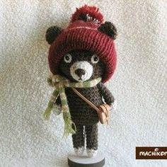 *耳出し帽子のクマ* L