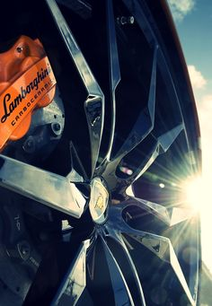 Lamborghini Wheel & Ceramic Brake