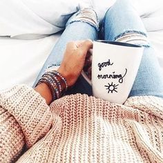 Photo Morning cozy outfit from Trendy Outfit Ideas To Update Your Look Foto Casual, Girly, Look Cool, Sweater Weather, Belle Photo, Good Morning, Morning Coffee, Coffee Cozy, Happy Coffee