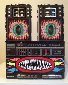 """stereo customized by mac blackout...reminds me of """"AHH! Real Monsters"""" for some reason ;0)"""
